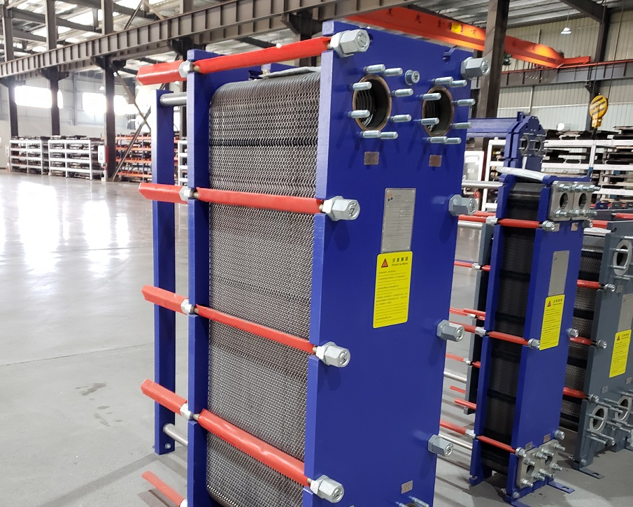 Molasses cooler plate heat exchanger for sugar making
